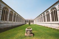 italy Pisa Juli 21, 2013 fyrkantig domkyrka, Campoen Santo, heligt fält, Camposanto Monumentale, monumental kyrkogård arkivbilder