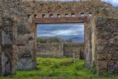 italy pompei 02,01,2018 Hemmet av den forntida romaren fördärvar, Royaltyfri Foto