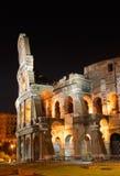 Italy. Roma (Roma). Colosseo (coliseu) na noite Fotografia de Stock