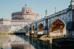 italy rome Ponte Sant Angelo, Castel Sant Angelo och Tiber Riv Royaltyfria Foton