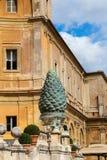 italy rome vatican Fontana della Pigna (sörja kottespringbrunnen), Fotografering för Bildbyråer