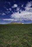 ITALY, Sicília, turbinas da energia de Eolic Fotos de Stock