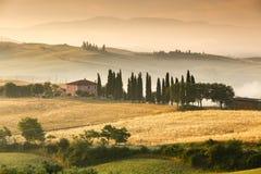 italy soluppgång tuscany arkivbilder