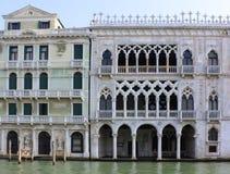italy Venedig Beskåda av stad guld- slott Royaltyfri Foto
