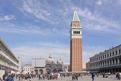 italy Venedig Klocka torn av San Marco - Sts Mark Campanile Arkivbild
