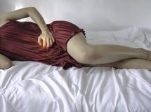 Itching in den popul?ren Krankheiten des Schattens in den Frauen lizenzfreies stockfoto
