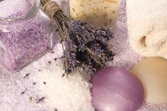 Items del baño de la lavanda. Imagen de archivo libre de regalías