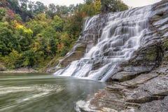 Ithaca Falls & turbinii dell'insenatura di caduta Fotografia Stock
