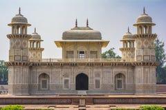 Itimad-ud-Daulah eller behandla som ett barn Taj i Agra, Indien arkivbilder