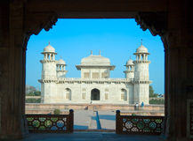 Itimad-ud-Daulah eller behandla som ett barn Taj i Agra, Indien Arkivfoton