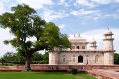 Itimad udDaulah tomb i Agra Royaltyfri Foto