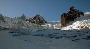 Itinéraire de Freeride descendant à Chamonix Photographie stock
