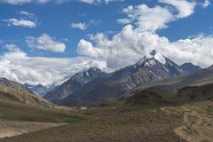 Itinéraire de trekking pour le lac Chandrataal Images libres de droits