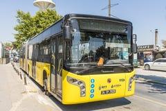 Itinéraire et bus touristiques sur les rues d'Istanbul L Transport Turquie Image libre de droits