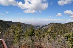 Itinéraire 54 jusqu'à Cloudcroft, Nouveau Mexique Photos libres de droits