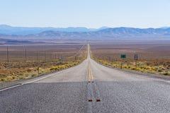 Itinéraire 50 Nevada - la route la plus isolée des USA en Amérique Image libre de droits