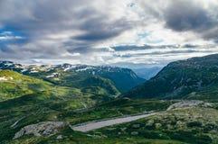 Itinéraire 55 par les montagnes et les vallées merveilleuses, Norvège Image libre de droits