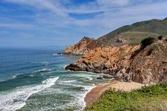 Itinéraire 1 (route de Côte Pacifique), Monterey voisin la Californie, Etats-Unis d'état de l'océan pacifique - la Californie Photographie stock libre de droits