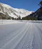 Itinerario del esquí del campo a través Imagen de archivo libre de regalías
