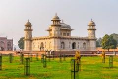Itmad-Ud-Daulah mausoleum fotografering för bildbyråer