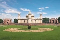 Itmad-Ud-Daulahs Graf - Baby Taj - Agra, India stock foto