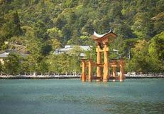 Itsukushima Miyajima Torii, portas de flutuação imagens de stock royalty free