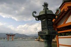Itsukushima relikskrin, Miyajima, Japan Royaltyfria Bilder