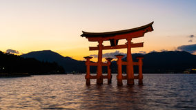 Itsukushima Shintorelikskrin, Hiroshima, Japan Arkivfoton