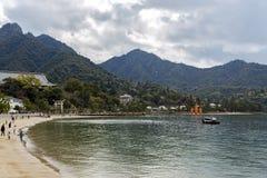 Itsukushima Unosi się Torii bramę Obrazy Stock