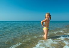 Ittle girl on the beach Royalty Free Stock Photos