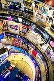 IuK-Einkaufen-Masse Stockfoto