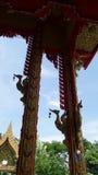 佛教教堂的金黄天鹅景色iut 库存图片