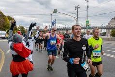 2016 09 25: IV maratona di Mosca trentaseiesima distanza di maratona di chilometro Fotografie Stock Libere da Diritti