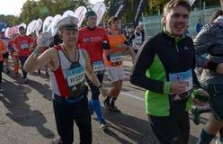 2016 09 25: IV Moskau-Marathon Der Anfang der 42 0,85 Kilometer Lizenzfreies Stockfoto