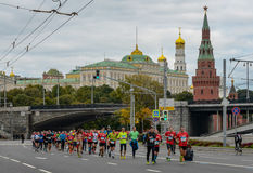 2016 09 25: IV Moskau-Marathon 36. Kilometer-Marathonabstand Stockbilder