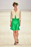 Iva Pfeiffer-Modeschau Stockbilder