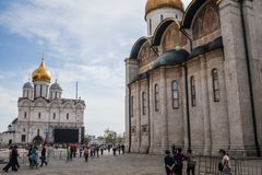 Ivan el gran campanario y la catedral de Dormition imagen de archivo libre de regalías