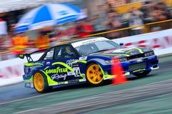 Ivan Lim que deriva seu carro na tração 2010 da fórmula foto de stock royalty free
