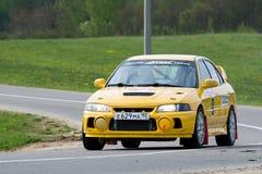 Ivan Smirnov sur Subaru Impreza au rassemblement russe Image stock