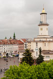 Ivano-Frankivsk stadshus och marknadsfyrkant, Ivano-Frankivsk, Ukraina arkivfoto