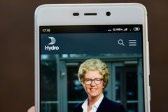 Norsk Hydro logo on the smartphone screen. Ivano-Frankivsk, Ukraine - May 9, 2019: Norsk Hydro website homepage. Norsk Hydro logo visible on the smartphone stock photos