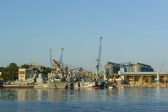 Ivanovec du bateau R-334 de missile aucun 954 et aéroglisseur de missile Images stock