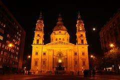Ivans kyrka på natten i Budapest Royaltyfri Foto