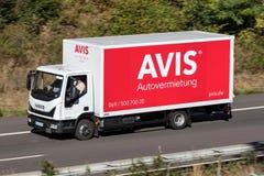Iveco Eurocargo της Avis στον αυτοκινητόδρομο στοκ φωτογραφία με δικαίωμα ελεύθερης χρήσης