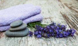 ivy lawendę mydła ręcznik w spa fotografia stock