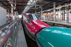 Iwate Japonia, Kwiecień, - 27,2014: E5 i E6 serii Shinkansen pociska pociągi Fotografia Royalty Free