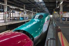 Iwate Japonia, Kwiecień, - 27,2014: E5 i E6 serii Shinkansen pociska pociągi Zdjęcia Stock