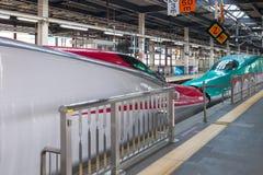 Iwate Japonia, Kwiecień, - 27,2014: E5 i E6 serii Shinkansen pociska pociągi Zdjęcia Royalty Free