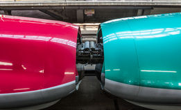 Iwate Japonia, Kwiecień, - 27,2014: złącze Shinkansen pociska pociągi Obrazy Stock
