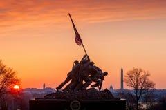 Iwo Jima Memorial Washington DC USA på soluppgång Arkivfoton